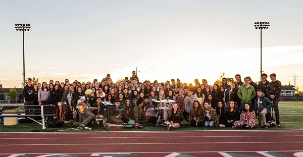 SENIORS ENJOY THE first senior sunrise at HHS Photo courtesy of Brian Quan