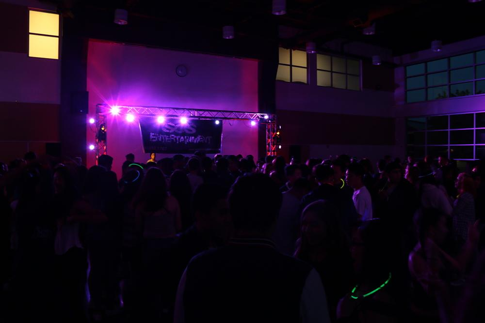 The dance pulled in 375 students from around the district and was held in the MVHS Rally Court. Photo courtesy of Monta Vista Photo Club.