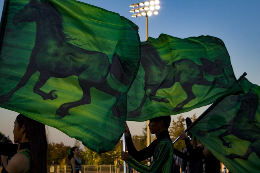 HHS+football%2C+band+and+colorguard+prepare+for+Battle+of+the+Bell+game+on+Homecoming+night.