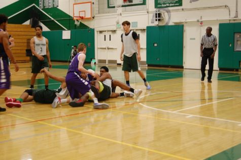 Boys varsity basketball team prepares for season ahead
