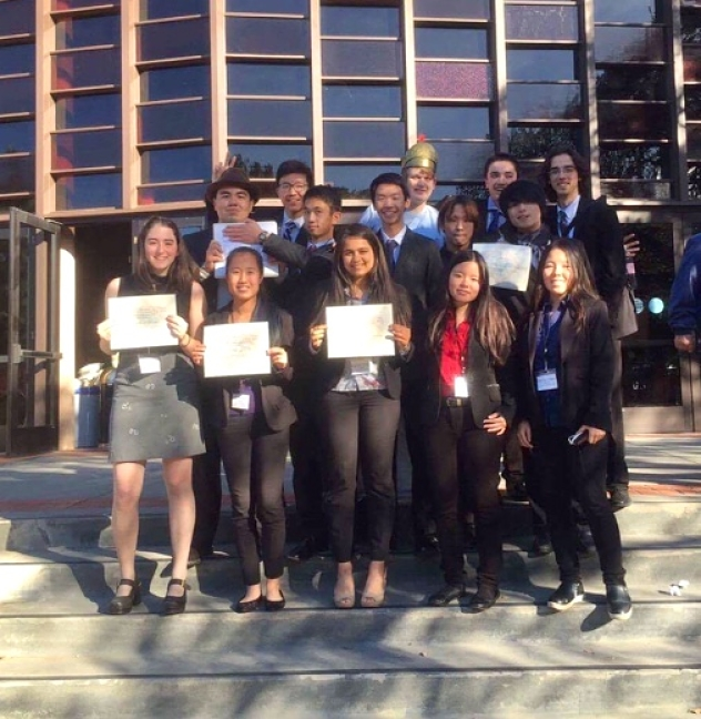 A+variety+of+HHS+MUN+members+received+awards+at+SMUNC.