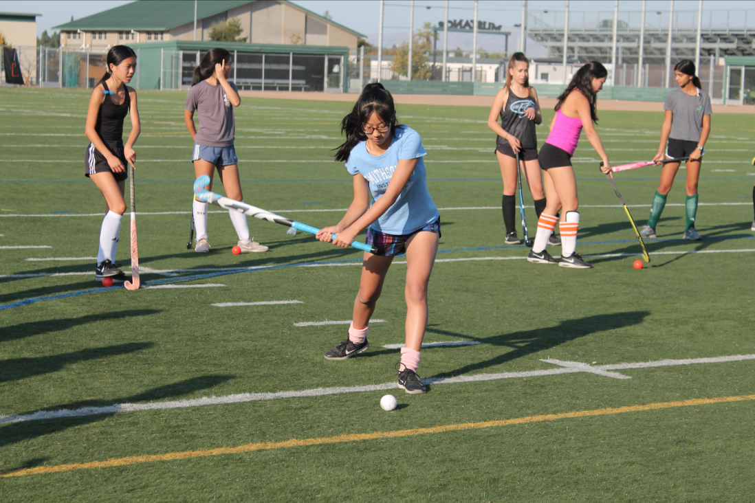 Field hockey players discuss camaraderie, season so far