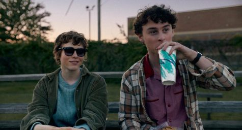 Sydney (Sophia Lillis) and Stanley (Wyatt Oleff) capture the endearingly painful awkwardness of adolescence.